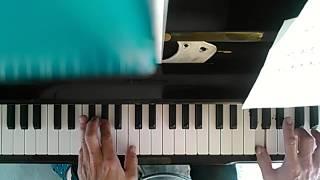 もらい物の アップライトピアノ 狂いすぎたチューニングをスマホのチュ...