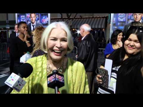 Ellen Burstyn At the Draft Day Premiere Interview!