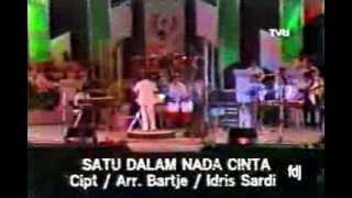 Vina Panduwinata - Satu Dalam Nada Cinta - FLPTN 1985