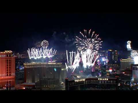 Las Vegas Strip & Downtown - New Years Eve 2019 Fireworks ...