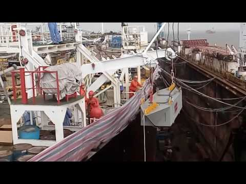 Lifeboat davit dynamic test in dry dock