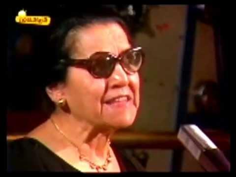 Rosario la madre de LOLA FLORES  abla de cuando Lola era ella muy chica