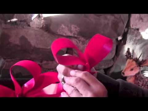 Stonewall Garden Center Shows How To Make A Christmas Wreath Bow