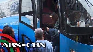 VIRAL: Bus na pa-Bataan naiwan ang konduktor sa stopover | TV Patrol