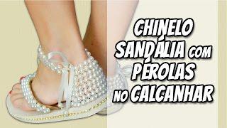 Sandália com pérolas no calcanhar – Sr. Chinelo