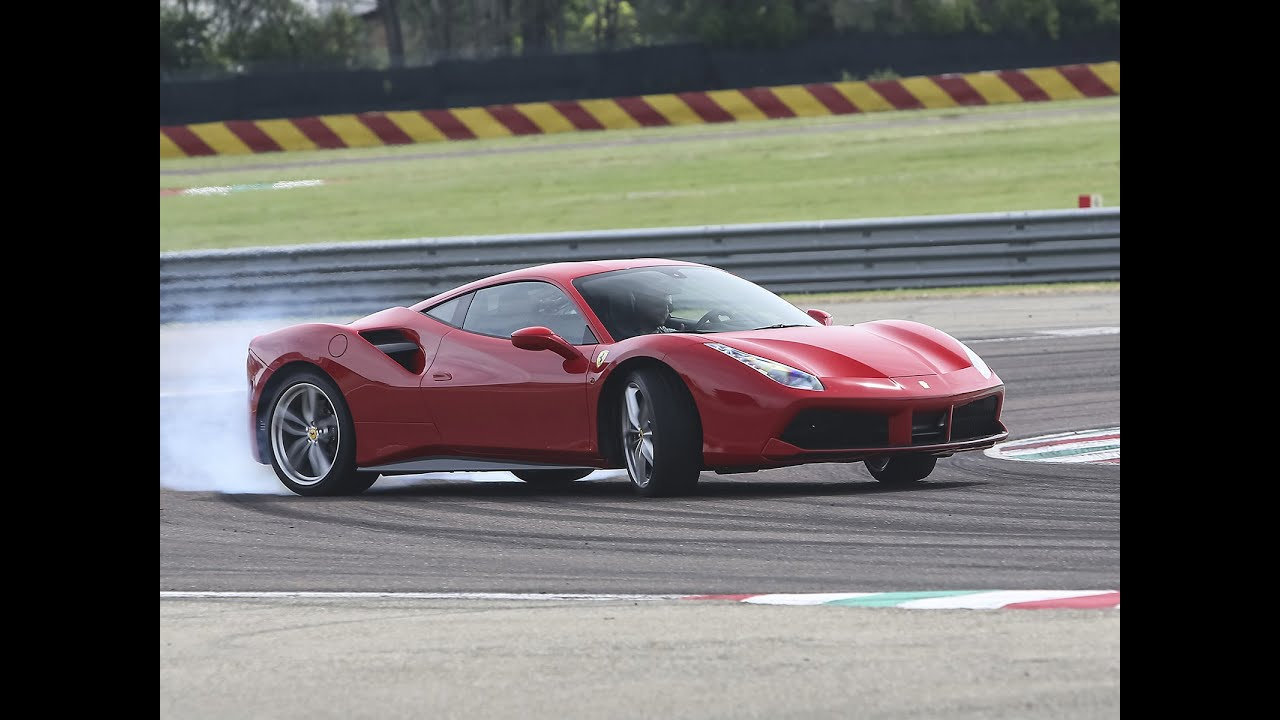 essai ferrari 488 gtb par sport auto youtube. Black Bedroom Furniture Sets. Home Design Ideas