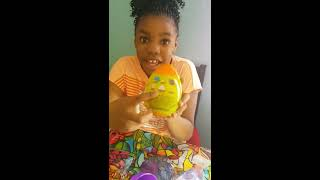 FIFI OPENS PUTTY SURPRISE&JELLY TOY