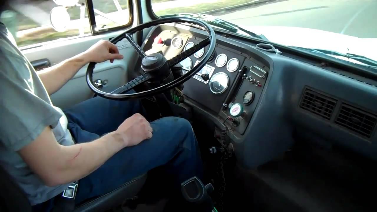ford l8000 dump truck youtube mix ford l8000 dump truck [ 1280 x 720 Pixel ]