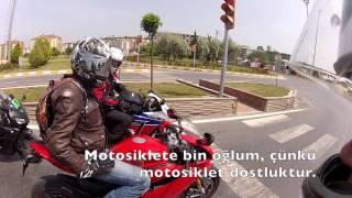Motosiklete bin oğlum, çünkü motosiklet tutkudur...