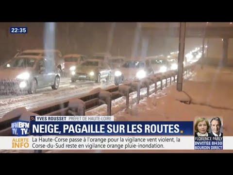 À Saint-Étienne, la neige paralyse 600 véhicules sur les routes