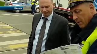Водитель внедорожника, объезжая пробки по тротуару в Москве, сбил активиста \