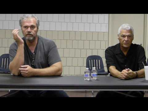 Steve Dash Dan Yeager panel Crypticon 2017 St Joseph MO Sat 715