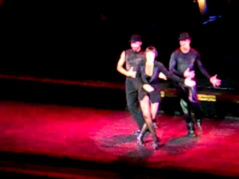 Chicago Musical, Emma Barton as Roxie
