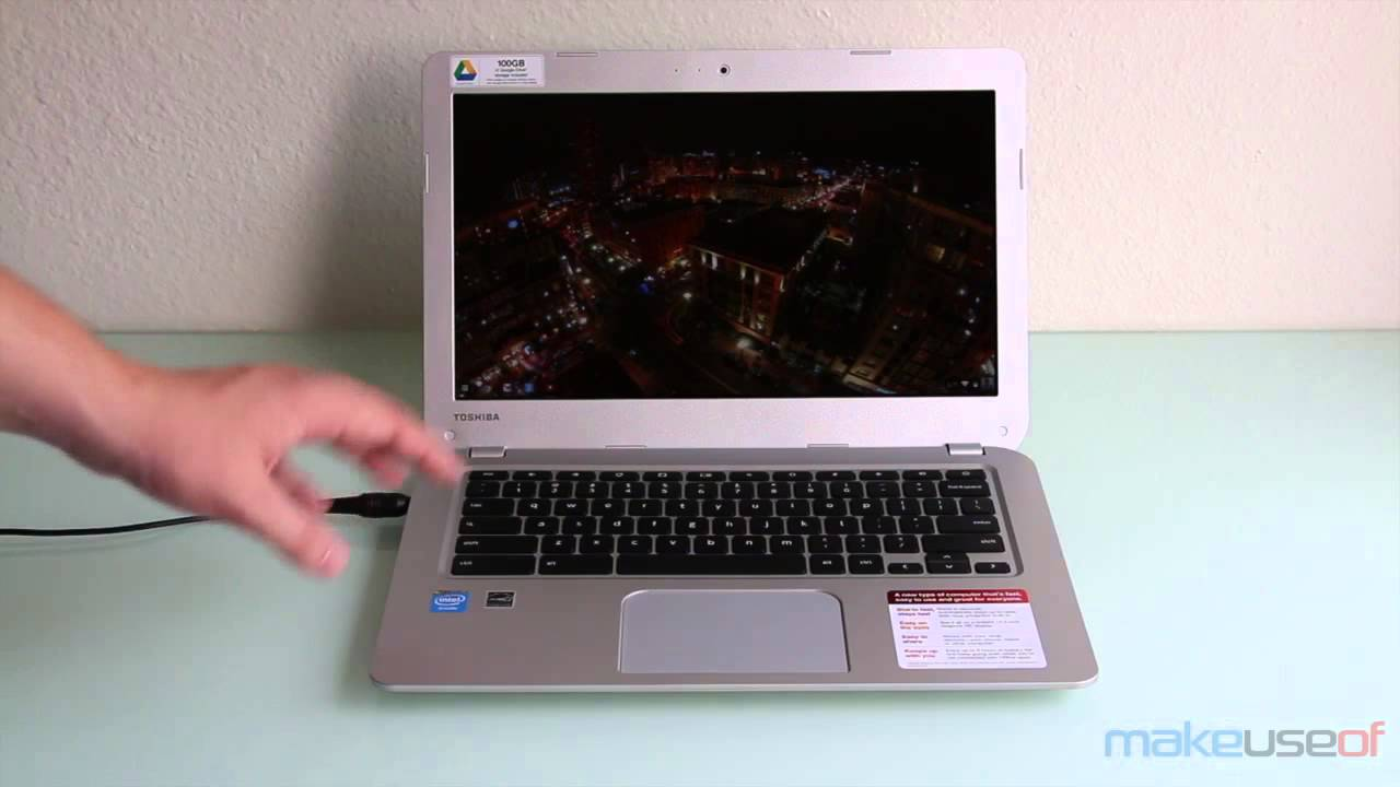 Danny Stieben Reviews the Toshiba CB35 A3120 Chromebook
