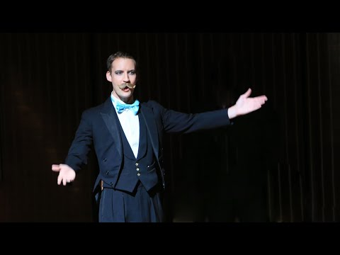 Singing Magician Christopher Howell