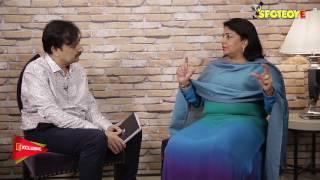 Priyanka Chopra's Mom Madhu Chopra Speaks on Priyanka's Short Skirt Controversy | SpotboyE