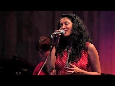 Khiyo - Amaro Deshero Matiro Gondhe Live