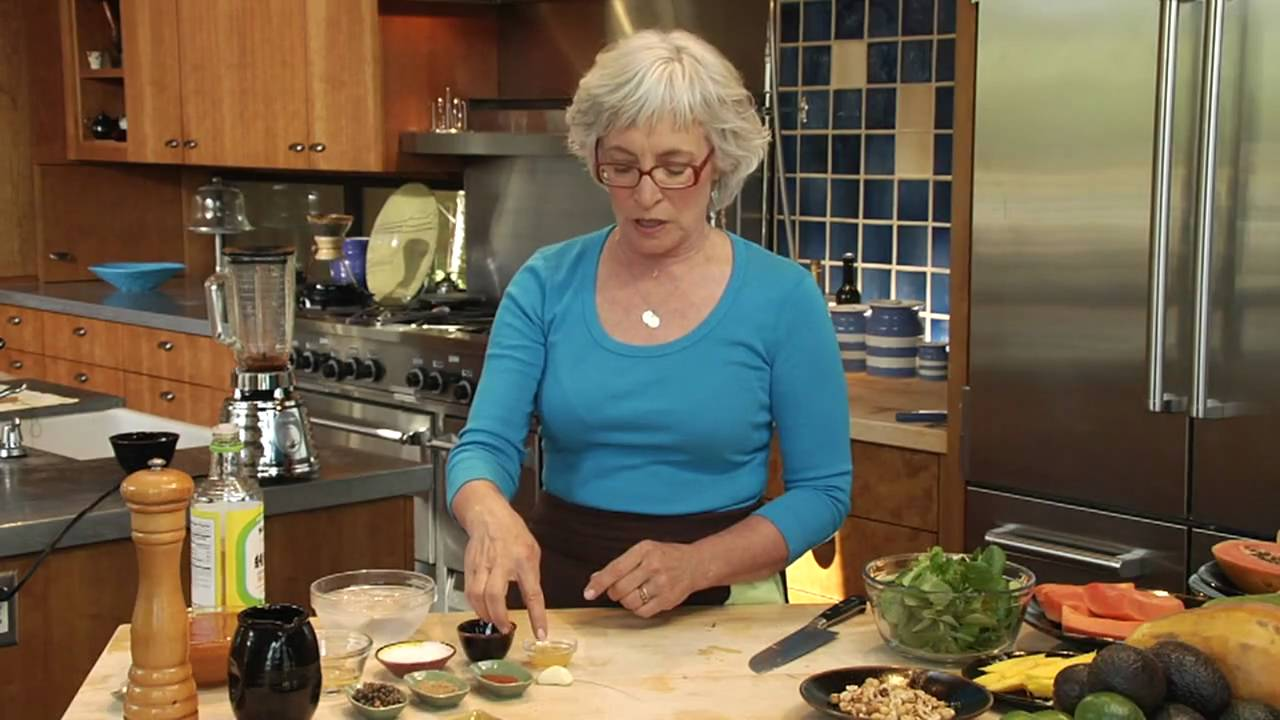 Cindy Pawlcyn\'s Tips & Tricks: Avocado-Papaya Salad with Papaya Seed ...