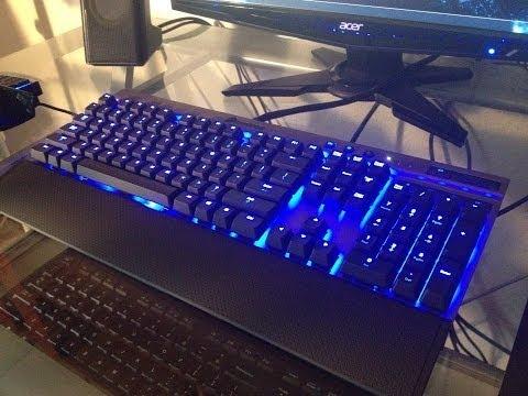 Corsair Vengeance K70 Mechanical Gaming Keyboard - Cherry MX Blue