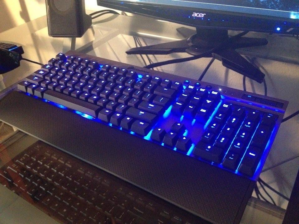 corsair vengeance k70 mechanical gaming keyboard cherry mx blue youtube. Black Bedroom Furniture Sets. Home Design Ideas