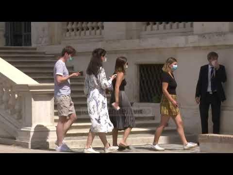 Top News - Italia hap kufijtë për turistët