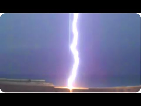 Danger High Voltage! | INSANE Lightning Bolt Strikes Beach