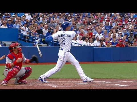 Tulo belts two-run homer in Blue Jays debut