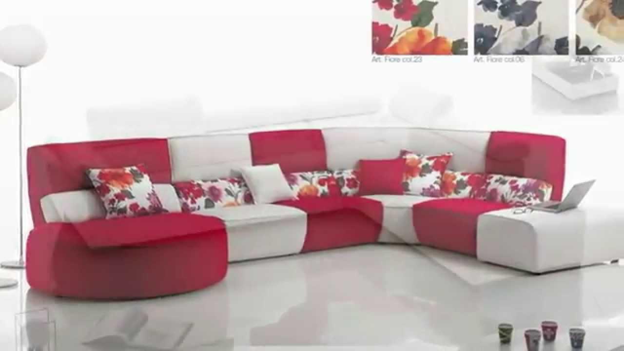 Salotti e divani moderni in tessuto ad angolo e con for Divani salotti