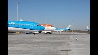 Bijzonder veel vliegtuigen geparkeerd op Schiphol