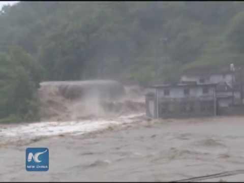 Yangtze River reports first flood peak
