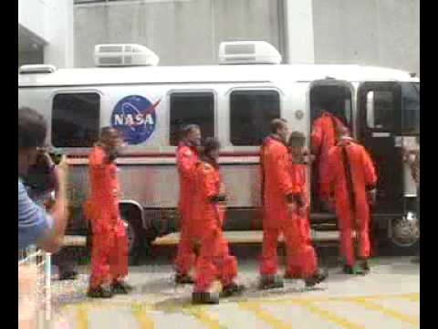 Space Shuttle Endeavour STS 118 Crew Walk Out! Rare Footage!!!