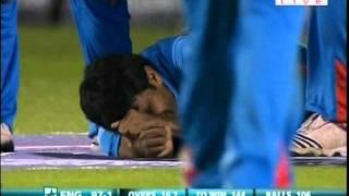 Munaf Patel - Hands Down the Strangest Way to get Injured