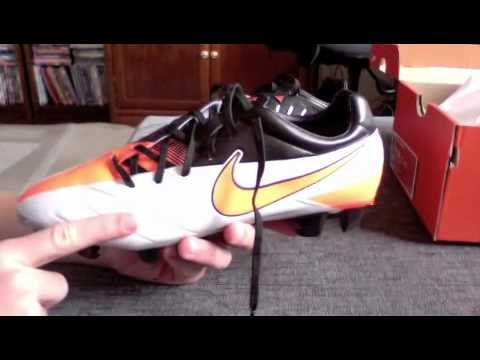 Nike Total 90 Laser IV Unxboxing. Soccer Reviews