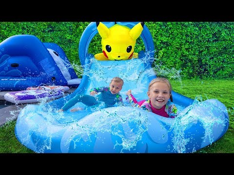 Папа ОБИДЕЛСЯ ! Николь и Алиса  сами НАДУЛИ Гигантскую ГОРКУ ! Giant Inflatable TOYS