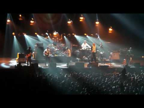 James live at Manchester Arena 13 May 2016, encore, Sit Down, Moving On, Nothing But Love