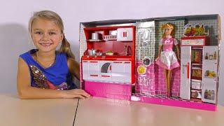 НОВАЯ КУХНЯ для Кукол Барби. Распаковка и Обзор от Ярославы - Barbie Kitchen!