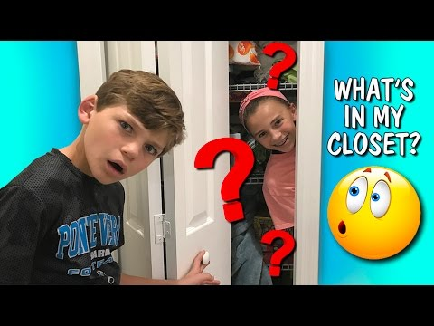WHAT'S IN OUR CLOSET? | We Are The Davises