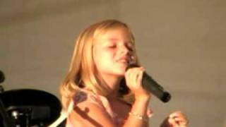 Смотреть клип Jackie Evancho - River Of Dreams