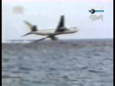 Видео падение самолета в океан
