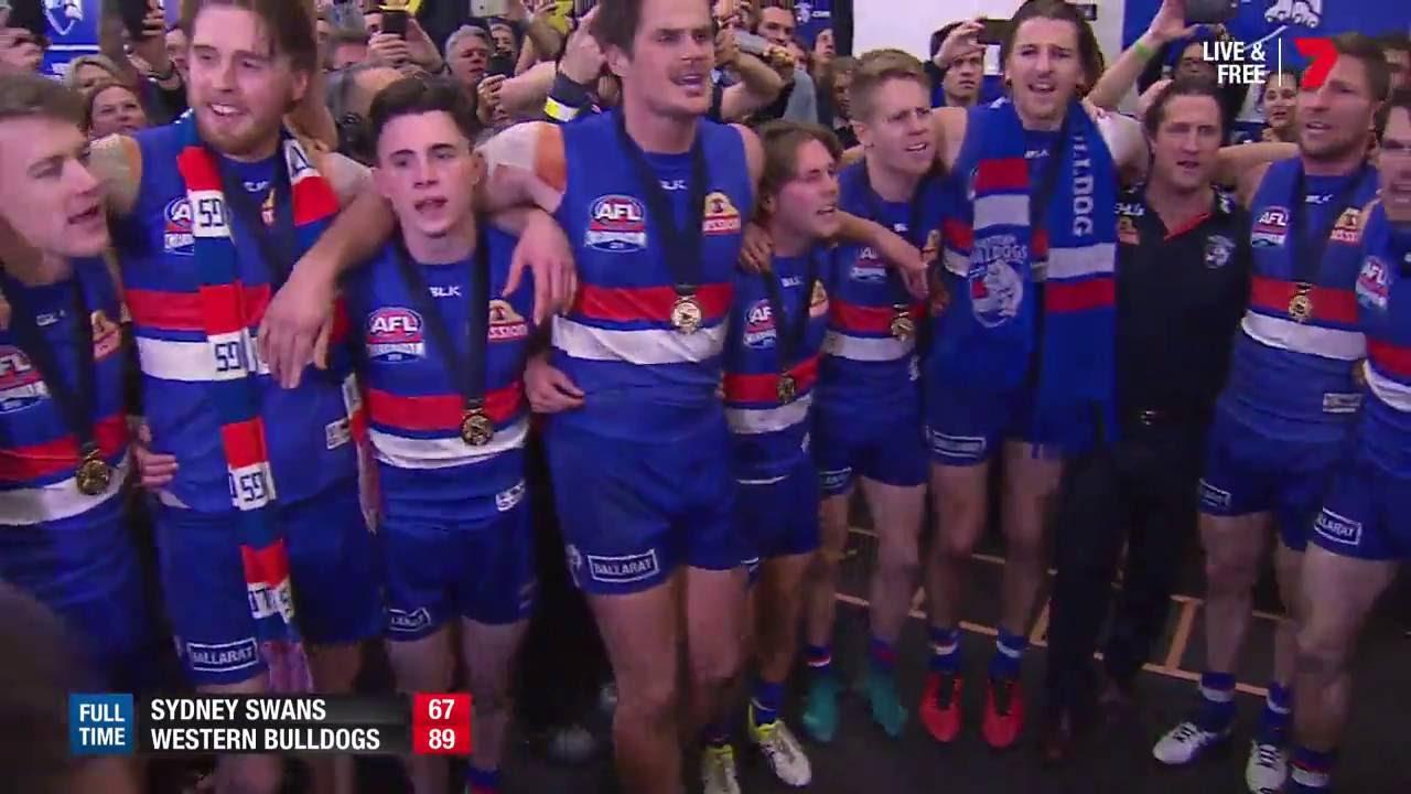 Western Bulldogs Sing Club Song 2016 Afl Grand Final Youtube