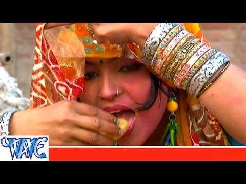 घूँघट तरे दाब गइनी गोलगप्पा - Gaal Ranga Humach Ke Holi Me   Smita Singh   Bhojpuri Holi Song