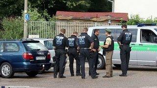 Что угодно, только не теракты: немцы не признаются в бессилии