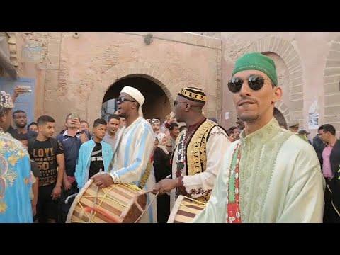 الصويرة المغربية ترقص على أنغام موسيقى القناوة في مهرجانها السنوي…  - 18:21-2018 / 6 / 22