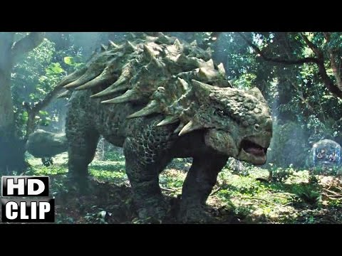 JURASSIC WORLD Clip
