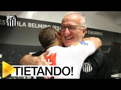 No vestiário, Dorival e Paulinho tietam Léo