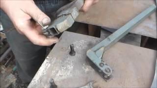 Самодельный кромкогиб, работа и устройство. (metal bender, press brake)(Инструмент для обработки кромки металла под сварку. Полный визуальный эффект сварки в стык, что тяжело...., 2016-12-11T13:39:46.000Z)