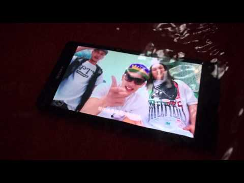 HTC Butterfly VS SONY xperia Z  防潑水 VS 防水 不專業測試
