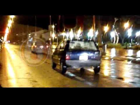 Video: un auto transitó en zigzag, chocó a otro vehículo y huyó en contramano
