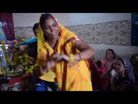 Maiyaa tero languriya bulaye siti maar ke lyrics मैया तेरा लांगुरिया बुलाये सिटी मार के  lyrics