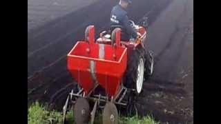 Картофелесажалка для минитрактора(Описание в конце видео., 2012-10-19T14:53:22.000Z)